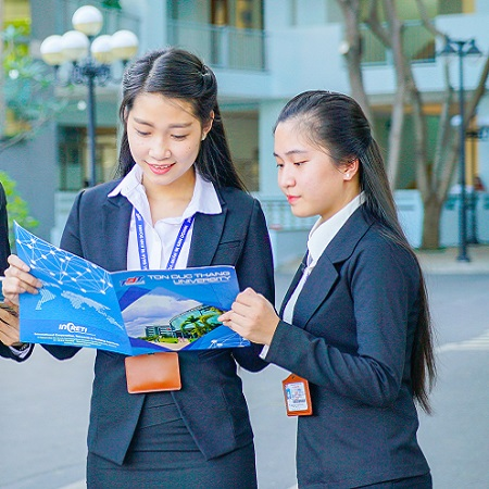 Undergraduate Programs in both Vietnamese and English